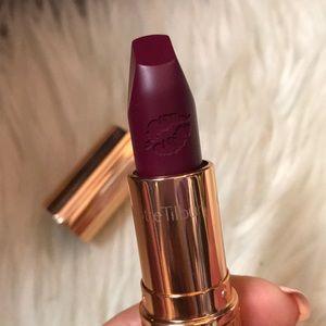 Brand New Charlotte Tilbury Hel's Bells Lipstick